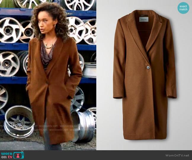 Aritzia Babaton Stedman Coat worn by Astra Logue (Olivia Swann) on Legends of Tomorrow