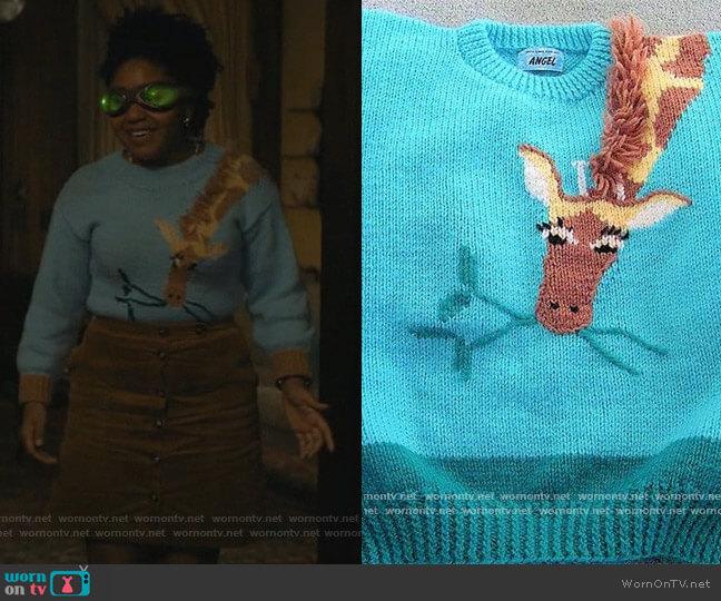 Giraffe Sweater by PastPatternsPalooza at Etsy worn by Beth Chapel (Anjelika Washington) on Stargirl