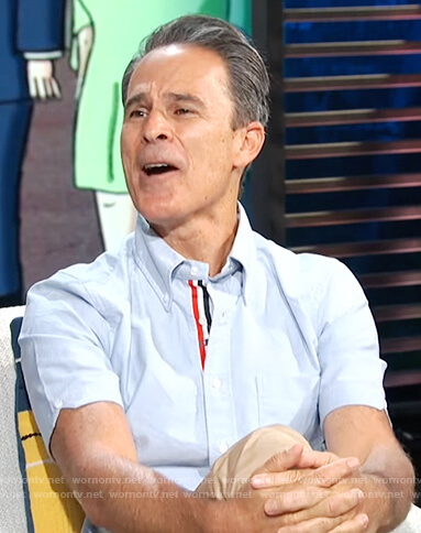Gary Janetti's blue stripe trim shirt on E! News Daily Pop