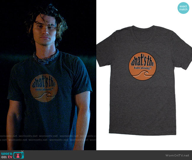 Head High Surf Club Tide Tee worn by John B (Chase Stokes) on Outer Banks