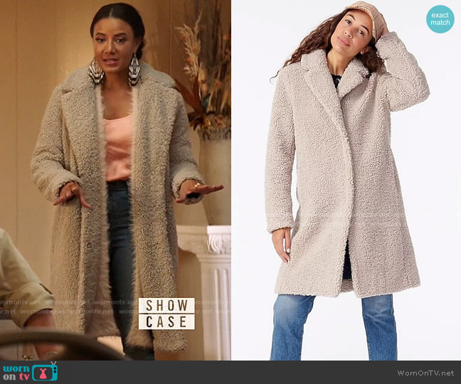 J. Crew Teddy Sherpa Topcoat worn by Maria DeLuca (Heather Hemmens) on Roswell New Mexico