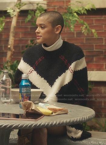 Julien's black argyle sweater on Gossip Girl