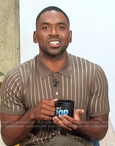 Justin's brown striped polo on E! News Daily Pop
