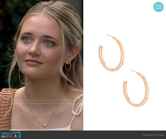 Kendra Scott Zorte Small Hoop Earrings In Rose Gold worn by Faith Newman (Reylynn Caster) on The Young & the Restless