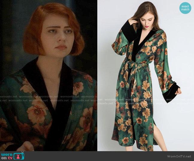 Kim + Ono Long Azumi Kimono worn by Scarlett (Sierra McCormick) on American Horror Stories