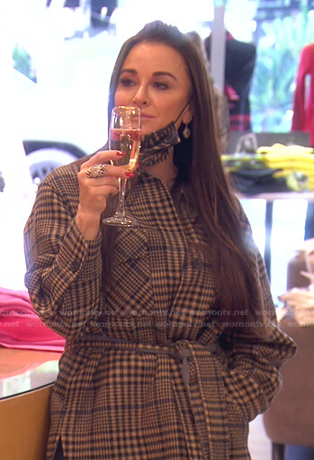 Kyle's beige plaid oversized shirt on The Real Housewives of Beverly Hills