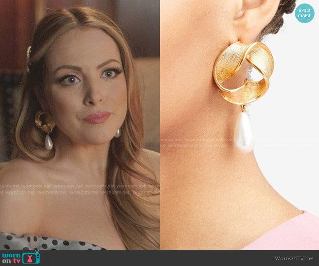 Twisted Drop Pearl Earrings by Oscar de la Renta worn by Fallon Carrington (Elizabeth Gillies) on Dynasty