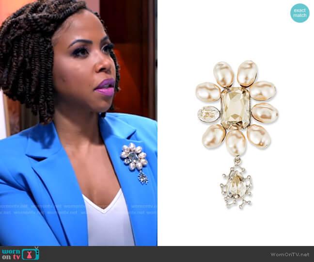Oscar de la Renta Floating Crystal Brooch worn by Andrea Barnes (Kj Smith) on Tyler Perrys Sistas