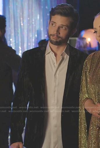 Sam's black velvet blazer on Dynasty