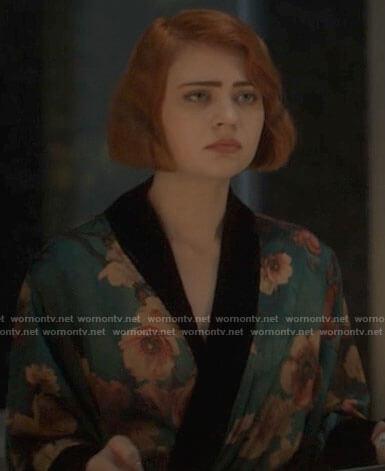 Scarlett's teal floral robe on American Horror Stories