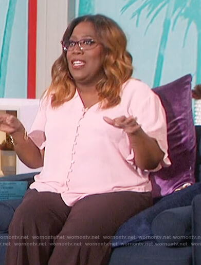 Sheryl's pink button down blouse on The Talk