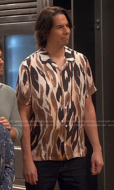 Spencer's flame print shirt on iCarly
