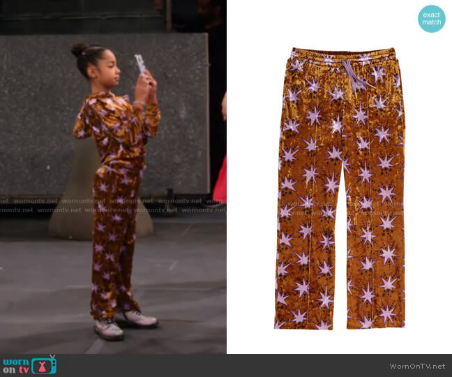 Star Print Velour Pants by Scotch R'Belle worn by Ami (Jordyn Raya James) on Family Reunion