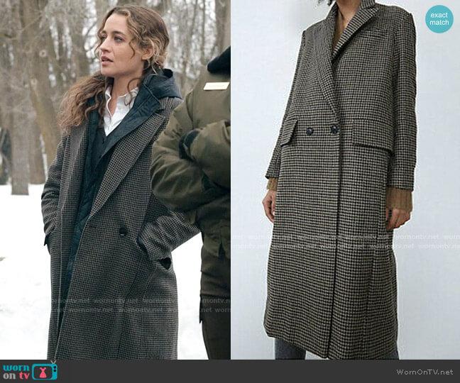 Zara Houndstooth Wool Blend Coat worn by Sarah Cooper (Stella Baker) on The Republic of Sarah