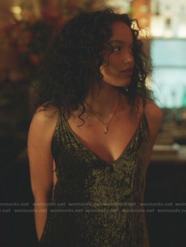 Zoya's green velvet dress on Gossip Girl