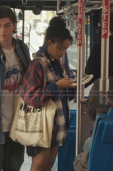 Zoya's plaid oversized shirt on Gossip Girl
