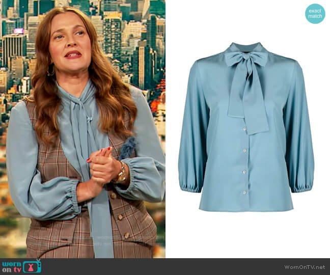 Pussy-bow blouse by Aspesi worn by Drew Barrymore  on The Drew Barrymore Show