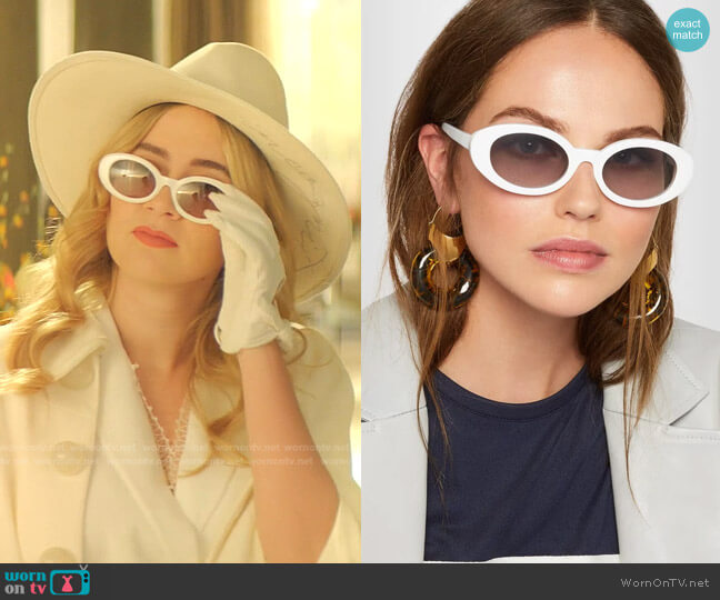 McKinley Sunglasses by Elizabeth and James worn by Amanda Carrington (Eliza Bennett) on Dynasty