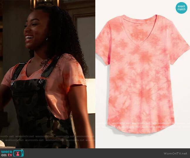 EveryWear Print T-shirt in coral tie dye by Old Navy worn by Trina (Sydney Mikayla) on General Hospital