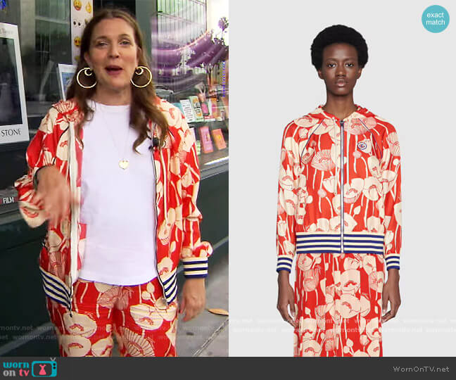 Poppy flowers print hooded jacket and pants by Gucci worn by Drew Barrymore  on The Drew Barrymore Show