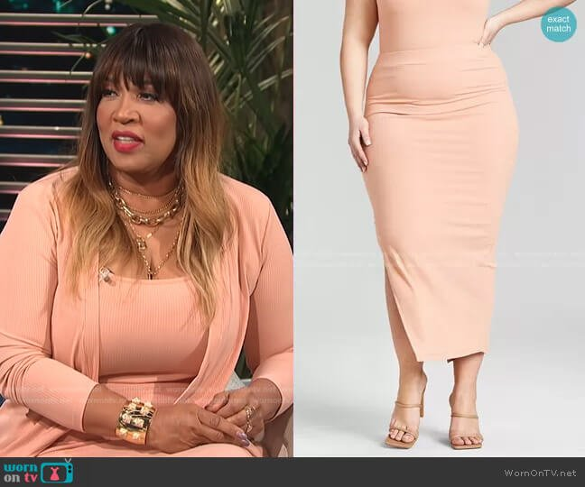 Trendy Plus Size Ribbed Knit Midi Skirt by Nina Parker worn by Kym Whitley  on E! News