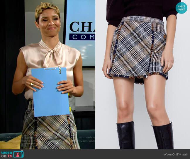 Zara Plaid Tweed Skirt worn by Elena Dawson (Brytni Sarpy) on The Young & the Restless