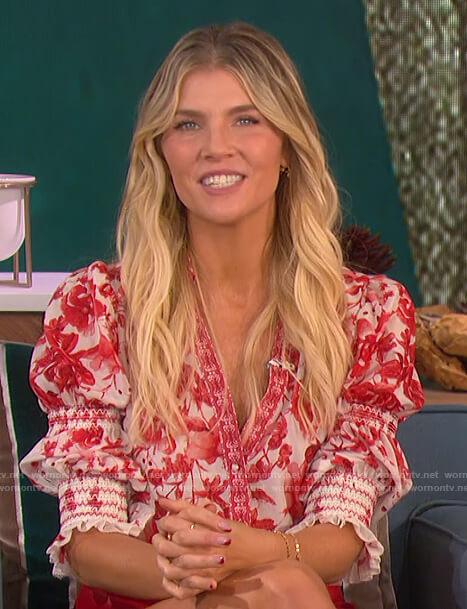 Amanda's white floral print blouse on The Talk
