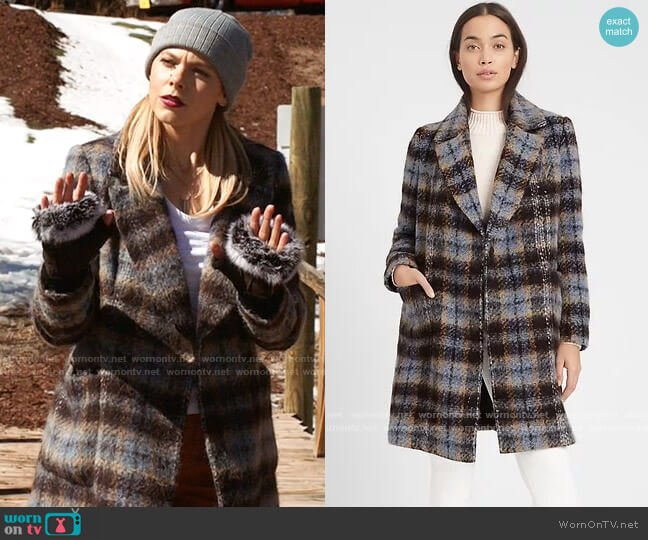 Banana Republic Italian Plaid Topcoat worn by Isobel Evans-Bracken (Lily Cowles) on Roswell New Mexico