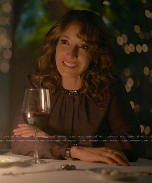 Bette's buckled neck blouse on The L Word Generation Q