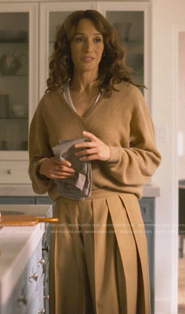 Bette's camel v-neck sweater and pleated pants on The L Word Generation Q