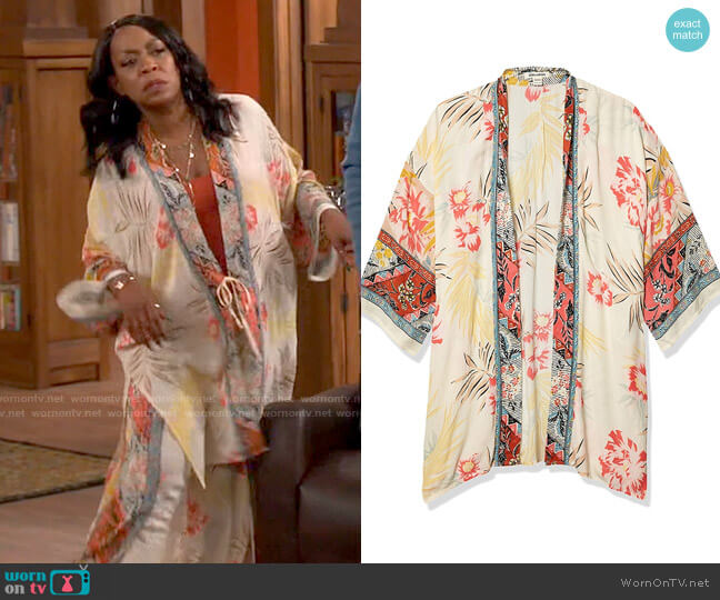 Billabong Fire Nights Kimono in Whisper worn by Tina (Tichina Arnold) on The Neighborhood