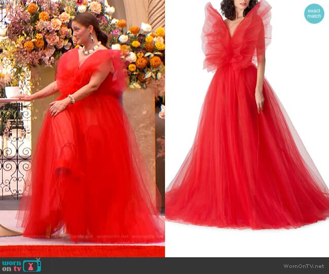 Oversize Bow Strapless Tulle Ballgown by Carolina Herrera worn by Drew Barrymore  on The Drew Barrymore Show