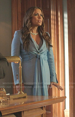 Amanda's black hooded blazer on Dynasty