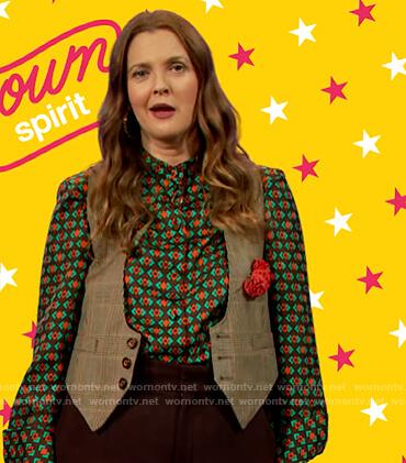 Drew's green geometric print blouse on The Drew Barrymore Show