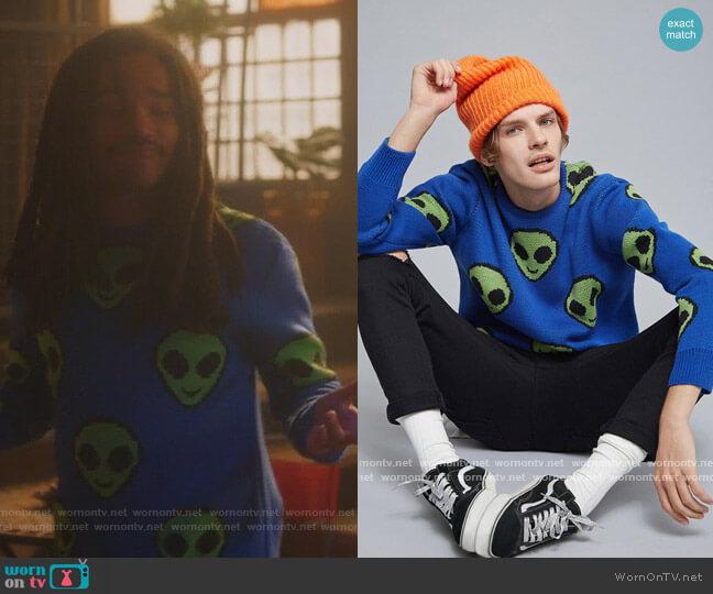 Alien Emoji Sweater by Forever 21 worn by Luka Hall (Luka Sabbat) on Grown-ish