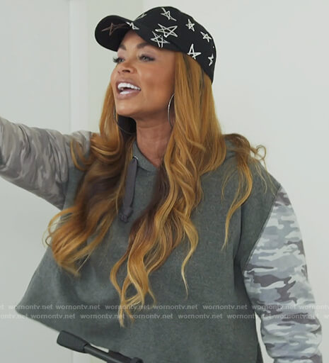 Robyn's gray tie dye sweatshirt on The Real Housewives of Potomac