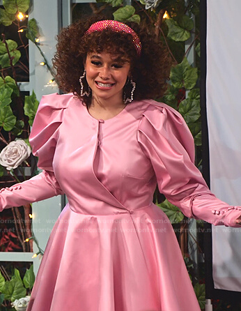 Jade's pink puff sleeve mini dress on Family Reunion