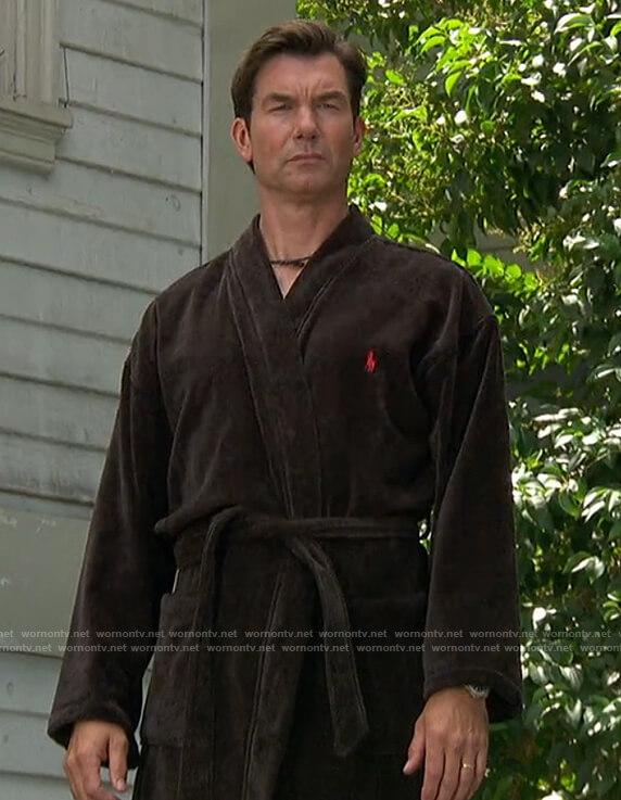 Jerry's black fleece robe on The Talk