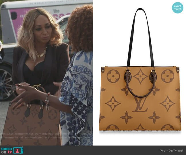 Onthego GM Bag by Louis Vuitton worn by Karen Huger  on The Real Housewives of Potomac