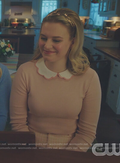 Polly's pink scalloped collar sweater on Riverdale