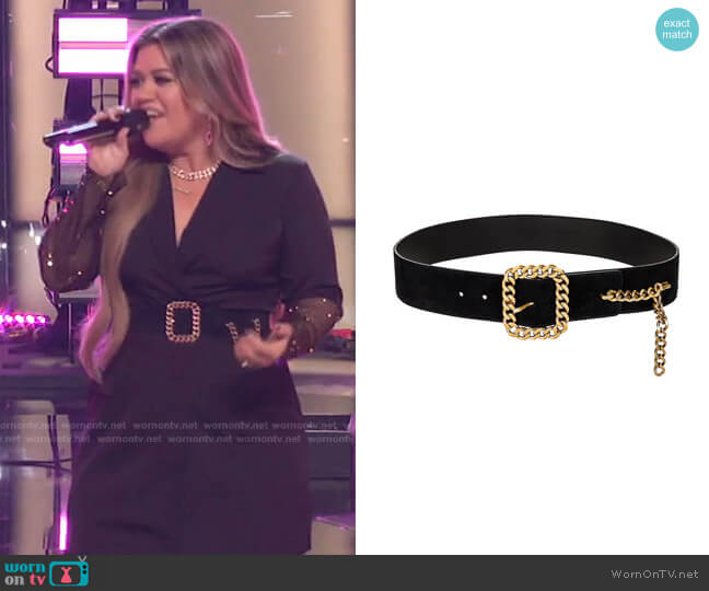 Suede Chain Buckle Belt by Saint Laurent worn by Kelly Clarkson  on The Voice