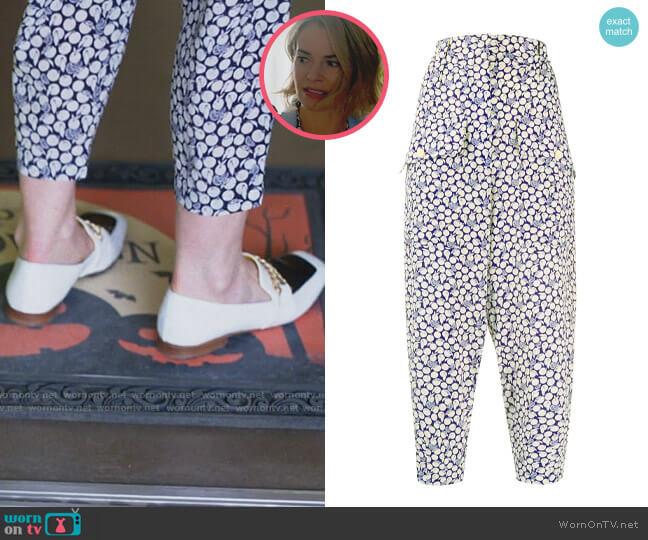 Stella McCartney Orange Print Cropped Trousers worn by Alice Pieszecki (Leisha Hailey) on The L Word Generation Q