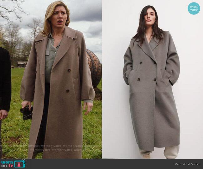 Zara Oversized Coat worn by Ava Sharpe (Jes Macallan) on Legends of Tomorrow