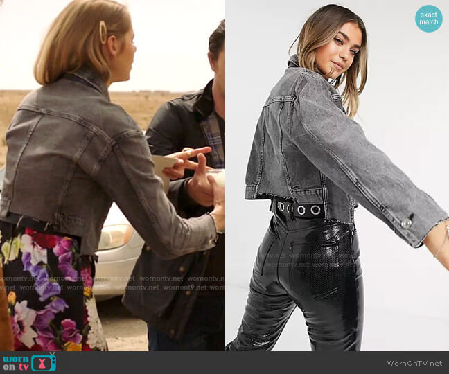 All Saints Two-Tone Denim Jacket worn by Isobel Evans-Bracken (Lily Cowles) on Roswell New Mexico