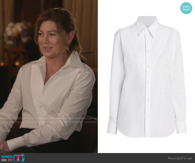 Compact Cotton Poplin Button-Down Shirt by Bottega Veneta worn by Meredith Grey (Ellen Pompeo) on Greys Anatomy