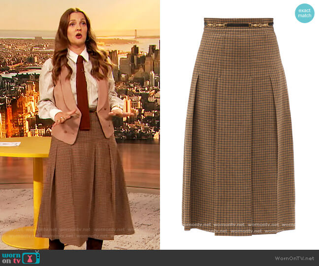 Brown Pleated Double G Chain Skirt by Gucci worn by Drew Barrymore  on The Drew Barrymore Show