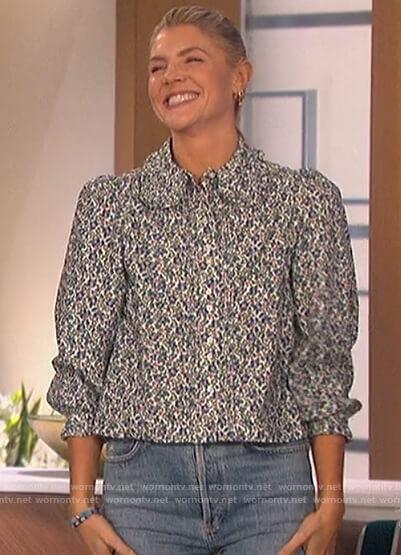 Amanda's floral print blouse on The Talk
