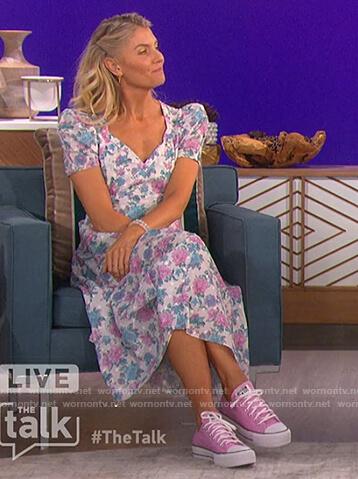 Amanda's floral print midi dress on The Talk