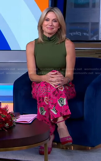 amy's green turtleneck top and pink floral pants on Good Morning America