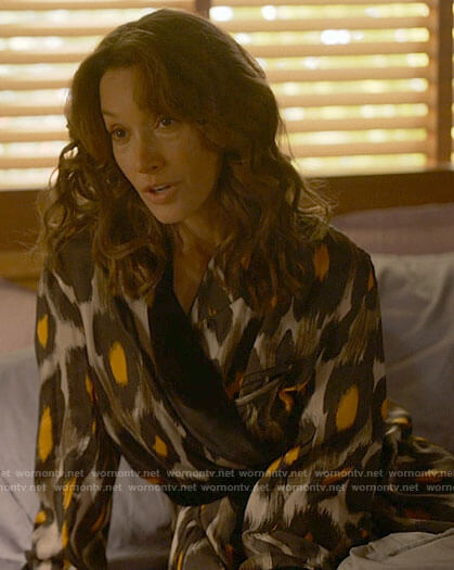 Bette's dotted print pleated skirt on The L Word Generation Q